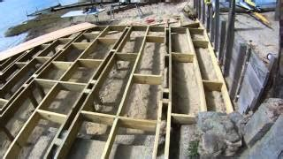 build  wooden deck  uneven ground woodworking projects plans