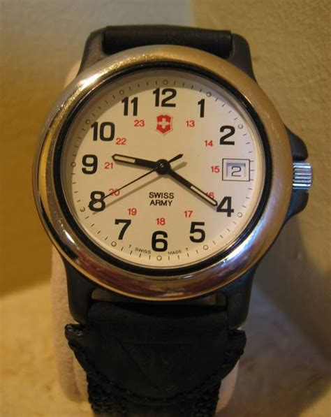 Swiss Army Sa3035 Brown Original original swiss army mint condition with date