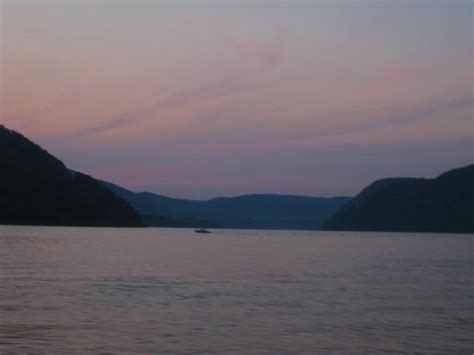boat cruise in westchester new york sunset sky over the hudson picture of trinity cruise