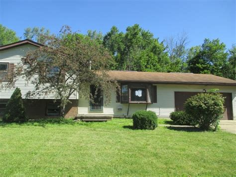 houses for sale in wakeman ohio 5710 leroy rd wakeman oh 44889 reo property details reo properties and bank owned