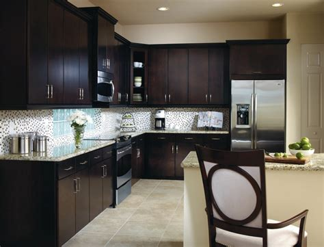 Kitchen Cabinets Aristokraft The Aristokraft Cabinet Door Offers A Streamlined Modernistic Look With Seamless And