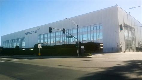 Spacex Office Building Students Tour Two Of Elon Musk S Facilities In California