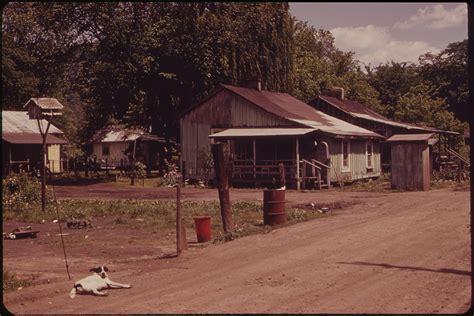 File Substandard Housing In Coalburg On The Kanawha River Nara 551000 Jpg