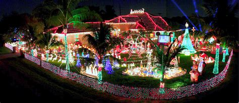 top 10 christmas light decoration around the world