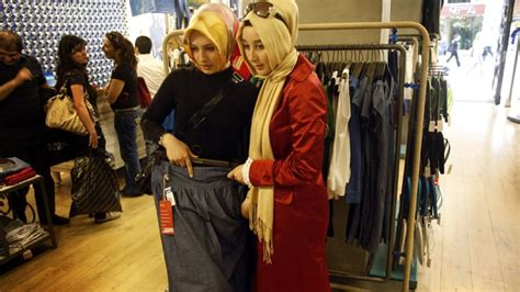fashion design jobs uk inside the booming muslim fashion industry islam al