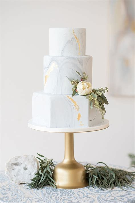 Elegant Blue and White Wedding Inspiration   Bloggers