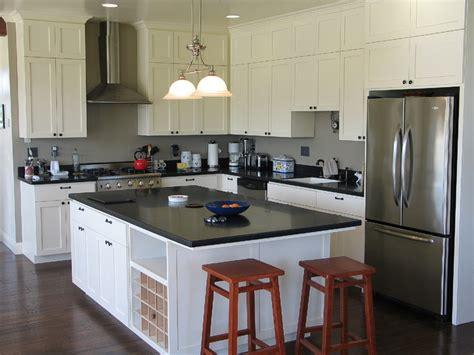 Black Quartz Kitchen Countertops by Stylish Black Quartz Countertops For Balancing Interior