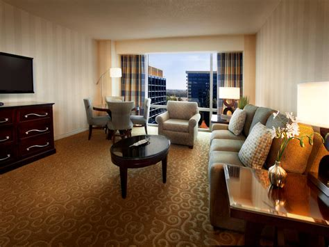Hotel With 2 Bedroom Suites by Disneyland Hotel Information And Pictures