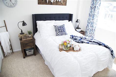 Walmart Bedroom Makeover Modern Farmhouse Guest Bedroom Makeover Blooming Homestead