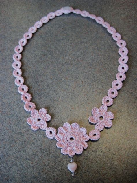 flower necklace pattern see deb craft mae flower necklace