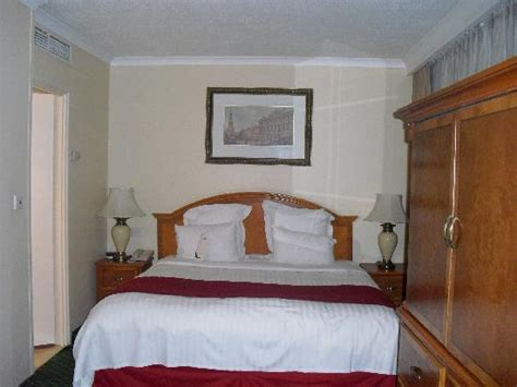 Bedroom Pictures Manchester 2 Large Beds Picture Of Renaissance Manchester City