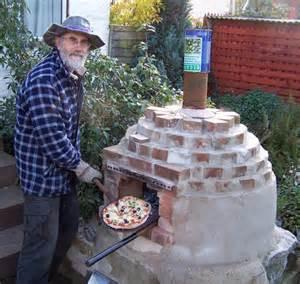 backyard pizza oven diy pizza oven ecodiy diy eco house