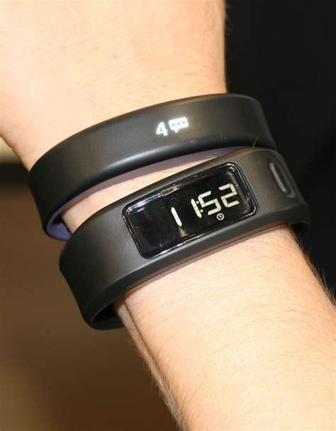 garmin tracker garmin vivosmart fitness tracker mit smartwatch funktionen pocketnavigation de
