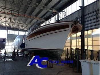 fratelli diversi srl fratelli aprea sorrento 32 yachts vendita barche e yacht