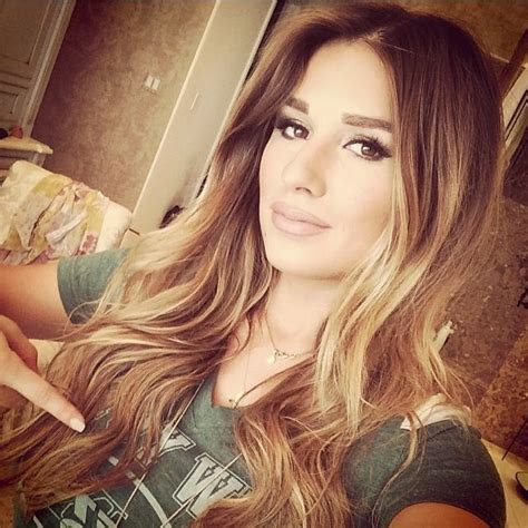 jesse james long hair jessie james decker ny jets jessie decker pinterest