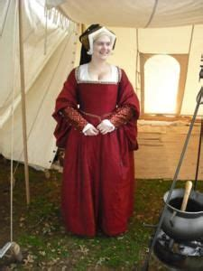 Dress Mikhaila best 25 tudor dress ideas on tudor costumes