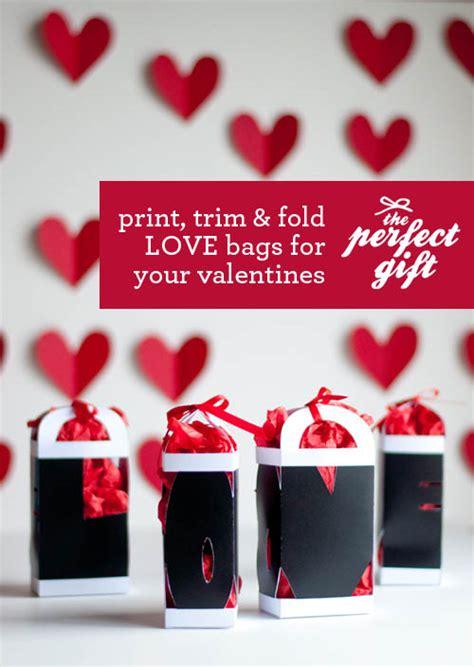 the gift gift bag design