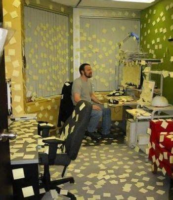post it bureau pc office post it notes prank pictures entertainment