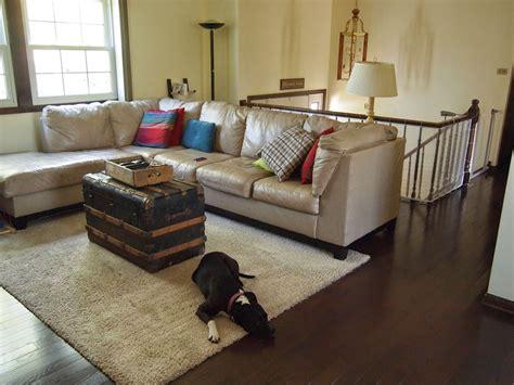 raised ranch living room design after raised ranch living room renovation behr morning sunlight paint mocha oak