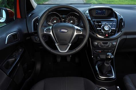 B Max Interior by Ford B Max 1 6 Tdci Titanium Pictures Auto Express
