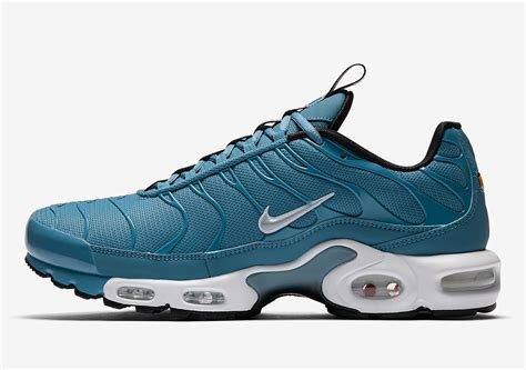 Nike Air Max Tab the nike air max plus pull tab gets decked out in
