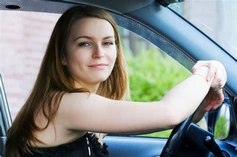 al volant donne al volante abili come uomini ma meno aggressive