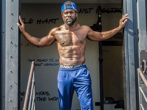 kevin hart muscles here s how kevin hart got his shredded abs gq