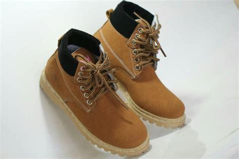 Sepatu Boots Docmart Wanita jual beli sepatu touring wanita docmart safety cewek