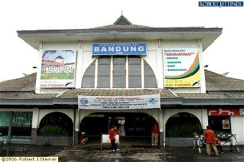 jakarta guide bandung train station  jalan stasiun selatan