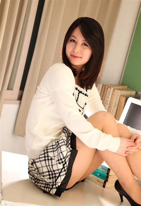 Japanesethumbs Av Idol Ayumi Iwasa Photo Gallery
