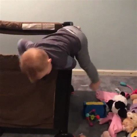 baby fall from bed what to do if baby falls bed 28 images what to do if