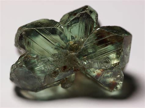 file chrysoberyl minas gerais brazil jpg wikimedia