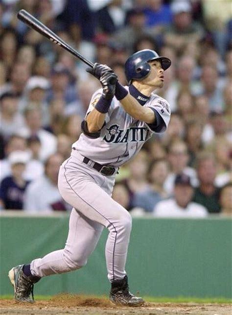 Ichiro Suzuki 2001 For The Mariners The Ichiro Honeymoon Period Is