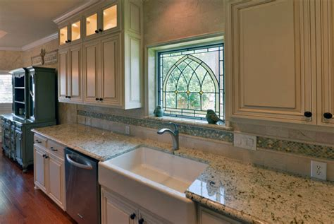Eggshell Kitchen Cabinets Eggshell Glazed Cabinets Traditional Kitchen Dallas By Chip S Kitchens Baths