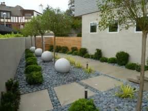 d 233 coration jardin avec gramin 233 es d ornement arbres et pierres