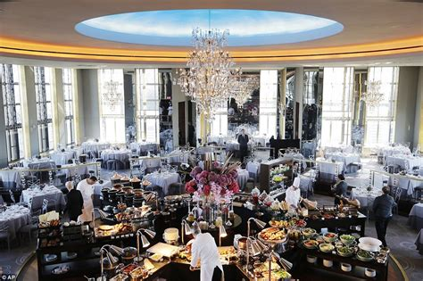 rainbow room rockefeller rockefeller center club restored to former after five years daily mail