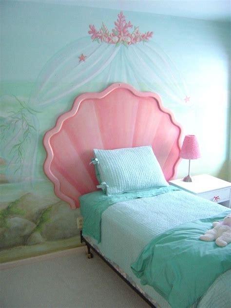 mermaid schlafzimmer die besten 17 ideen zu m 228 dchen kopfteil auf