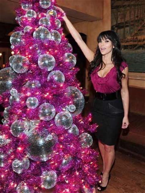 kim kardashian christmas tree 2013 i wish my family did really ridiculous photo christmas