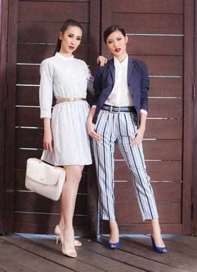 Gaun Dress Zara Putih Motif Bunga jejak kelasi
