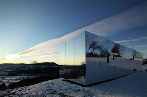 mirrored house casa invisible the mirror house from delugan meissl