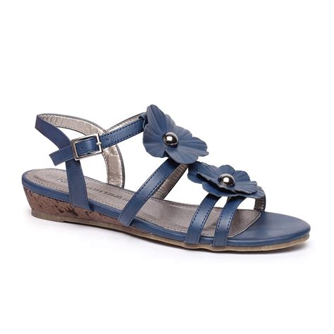 sandals number trend tip summer sandals this is meagan kerr