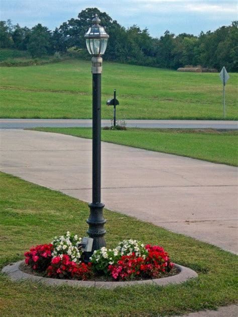The L Post Photo By Joy Fussell Mom S Flowers Landscaping Lighting Ideas For Front Yard