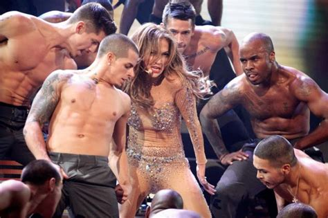 J Lo Signed A Confidentiality Agreement With Former Assistant by Casper Smart S Stands By His Ny Daily News