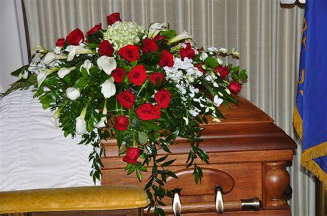 fiori funerale addobbi composizioni floreali funerali frascati roma