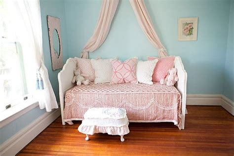 shabby chic daybed daybed shabby chic white distressed headboard
