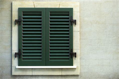 cardini per persiane persiane in alluminio con cardini a muro mdb portas nurith