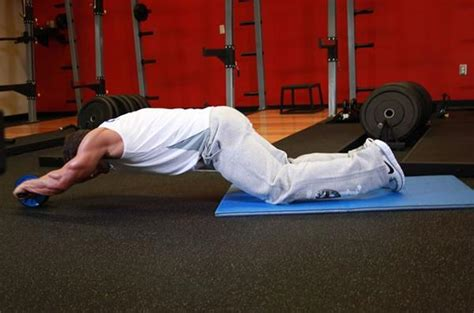 ab roller wheel for a great abdominal workout strength