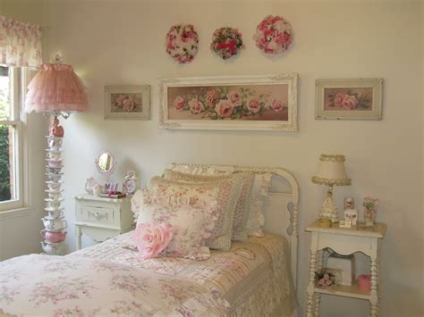 vintage rose bedroom ideas 1615 best images about bedrooms for romantic cottage decor