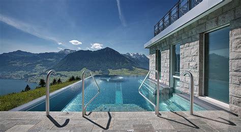 hütte in den alpen mieten luxus hotel spa in schweizer alpen mit tollem seeblick