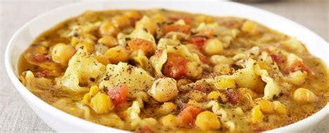 cucinare pasta e ceci come preparare la ricetta della pasta e ceci sale pepe